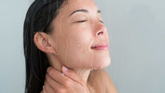 HOW TO REDUCE THE APPEARANCE OF BLACKHEADS
