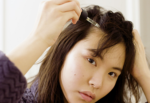 HOW TO TACKLE DRY FLAKY SCALP